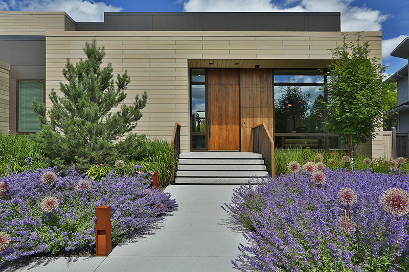 Monteyne Architecture | Projects - Linden Woods Residence - Front facade in summer