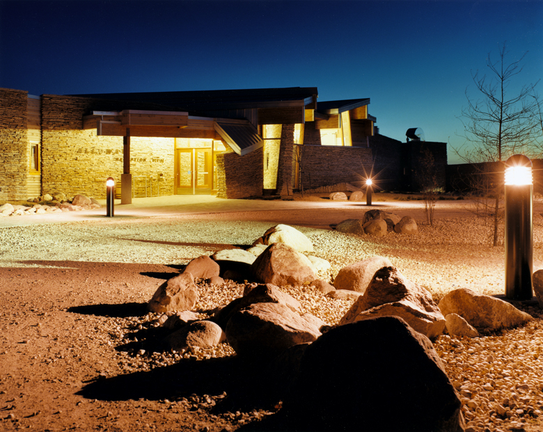Monteyne Architecture   Projects - Alloway Reception Centre - MAIN ENTRANCE AT DUSK