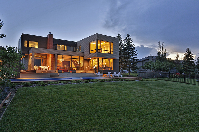Monteyne Architecture | Projects - Linden Woods Residence - Backyard at night